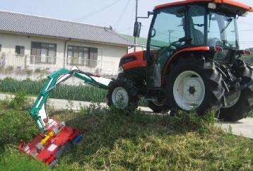 草刈り作業フロント
