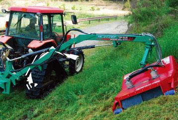 草刈り作業リヤタイプ